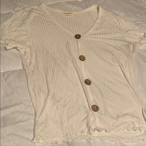 Free Kisses Tops - A white shortsleeved shirt with buttons